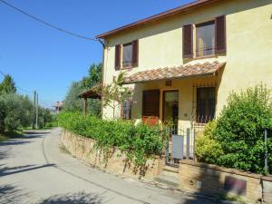 Holiday home Borgo Rossini La Cascina - AbcAlberghi.com