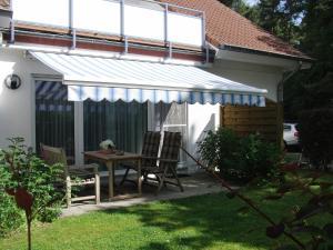 Appartment Haus Glowe _ Wohnung 11, Дома для отпуска  Klein Gelm - big - 1