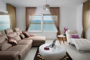 Apartments Malibu Royal