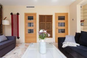 Soho Lounge - Space Maison Apartments, Apartmány  Sevilla - big - 15