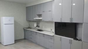 Apartment on Tselinnaya 13 D - Plastunka