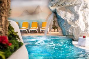 Alpen Hotel Corona, Hotely  Vigo di Fassa - big - 48