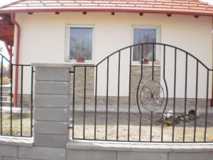 Molni, Apartmány  Balatonfůzfő - big - 8