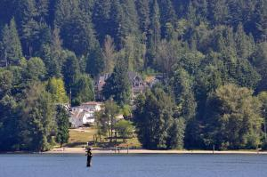 Nature's Door Guest Suite - Accommodation - Port Moody