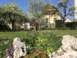 Maison dHôtes Chandon de Briailles