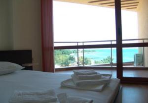 Sunny Bay Aparthotel
