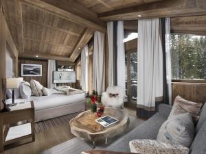 Location gîte, chambres d'hotes Hôtel Barrière Les Neiges Courchevel dans le département Savoie 73