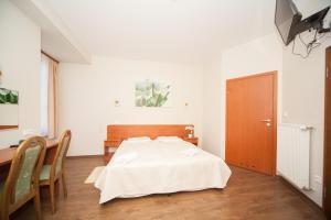 Hotel Ada