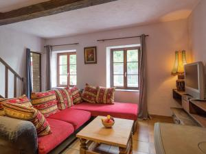 Location gîte, chambres d'hotes Charming Holiday Home in Vireux-Wallerand with Terrace dans le département Ardennes 8