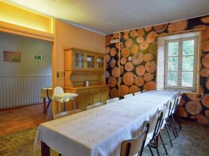 Charming Holiday Home with Fireplace in Anhee Ardennes