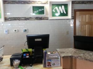 Mid Town Motel - Accommodation - Great Falls