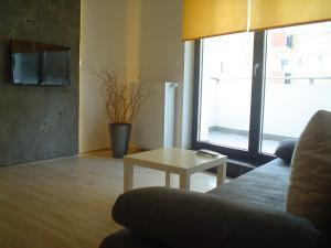 Pirelli Apartament, Варшава