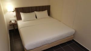 9 Square Hotel - Seri Kembangan