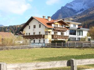 Bächerhof, Holiday homes  Ehrwald - big - 1