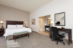 Hampton Inn & Suites Hartford-Manchester, Hotels  Manchester - big - 19