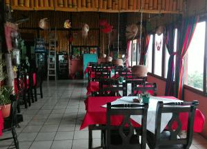 Hotel y Restaurante Chi Swan, Отели  Серро-де-Оро - big - 58
