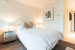 Celeste - Beyond a Room Private Apartments, Апартаменты  Мельбурн - big - 4