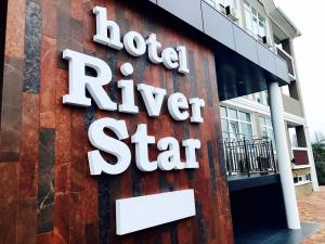 Отель River Star