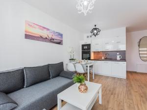 VacationClub - Solna Apartment C408