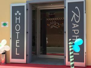 Hotel Raphael - AbcAlberghi.com
