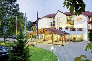 Hotel St. Georg - Heufeld