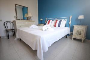 Villa Holiday San Vito, Holiday homes  San Vito lo Capo - big - 3