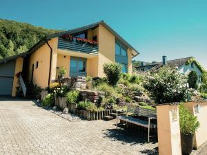 . Cozy Apartment in Dollnstein with Sauna
