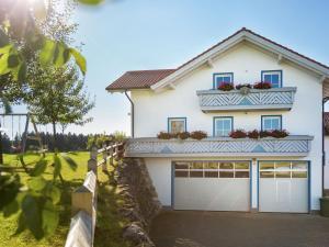 Apartment Am Berghof 1 - Mauerstetten