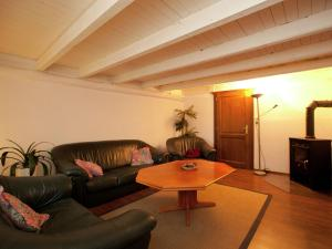 . Beautiful Apartment in Weissenhof near the Forest