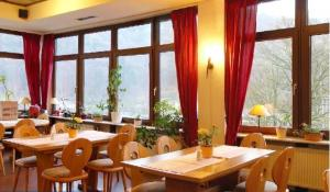 Hotel zum Neckartal Heidelberg.  Photo 19