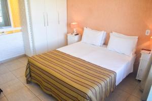 Hotel Residencial Portoveleiro, Гостевые дома  Кабу-Фриу - big - 96