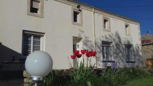 Entre Marais et Gatine, Отели типа «постель и завтрак»  Saint-Pompain - big - 10