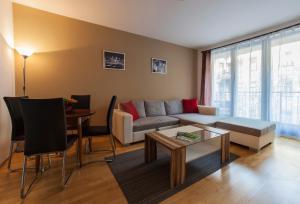 Club99 Apartments