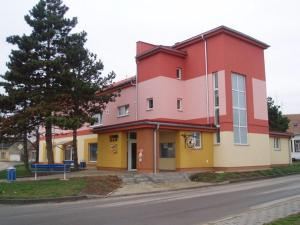 Auberges de jeunesse - Kulturně Společenské Centrum
