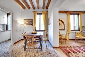Accademia Art Apartment - Venice