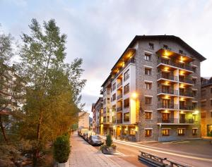 Hotel Univers, Hotely  Encamp - big - 1