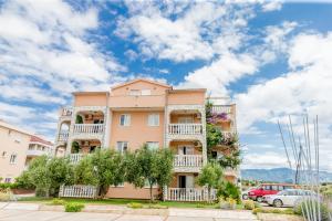 Apartments Peris Resort