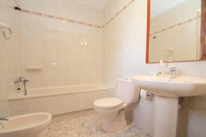 Pino Aalto Holiday Homes Cloe, Prázdninové domy  Miami Platja - big - 9