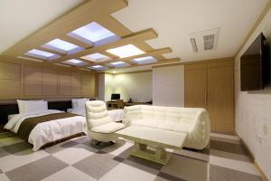 Suwon Orsay Business Hotel, Hotely  Suwon - big - 80