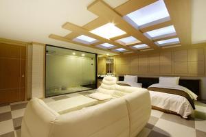 Suwon Orsay Business Hotel, Hotely  Suwon - big - 109