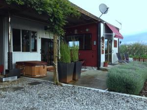 obrázek - The Little Red Cottage