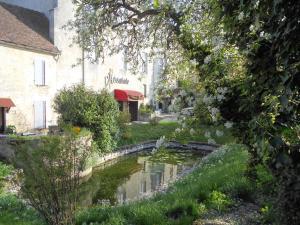 Location gîte, chambres d'hotes Auberge de l'Abbatiale dans le département Haute Marne 52