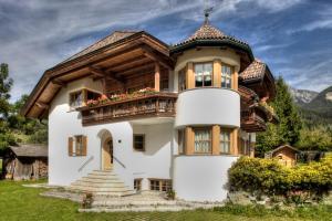 Alexander Mountain Lodge