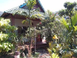 Blue Kep Bungalow