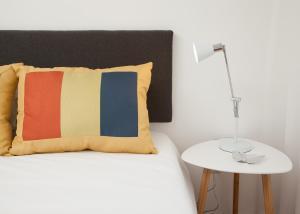 White Almada Oporto Apartments, 4050-033 Porto
