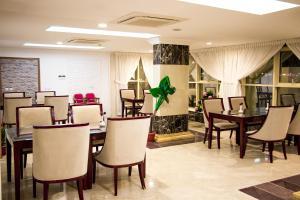 Alazhar Palace Hotel, Hotely  Al Qunfudhah - big - 82