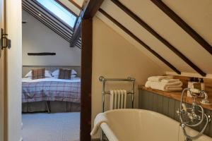 Tudor Farmhouse (7 of 59)