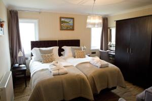 . The Waterfront Boutique Hotel