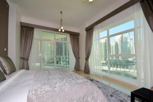 Hometown Holiday Homes - The Atlantic Tower - Dubai