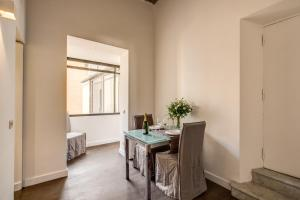 Piazza Farnese exclusive view 2 bedroom en suite, Appartamenti  Roma - big - 3